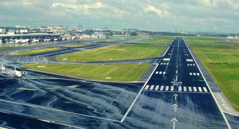 Brussels Airport Runway 25 R